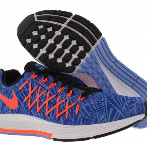 7fae902185bd8 Women s Nike Air Zoom Pegasus 32 Running Shoes. M 5b9bdd471b16db492e076014